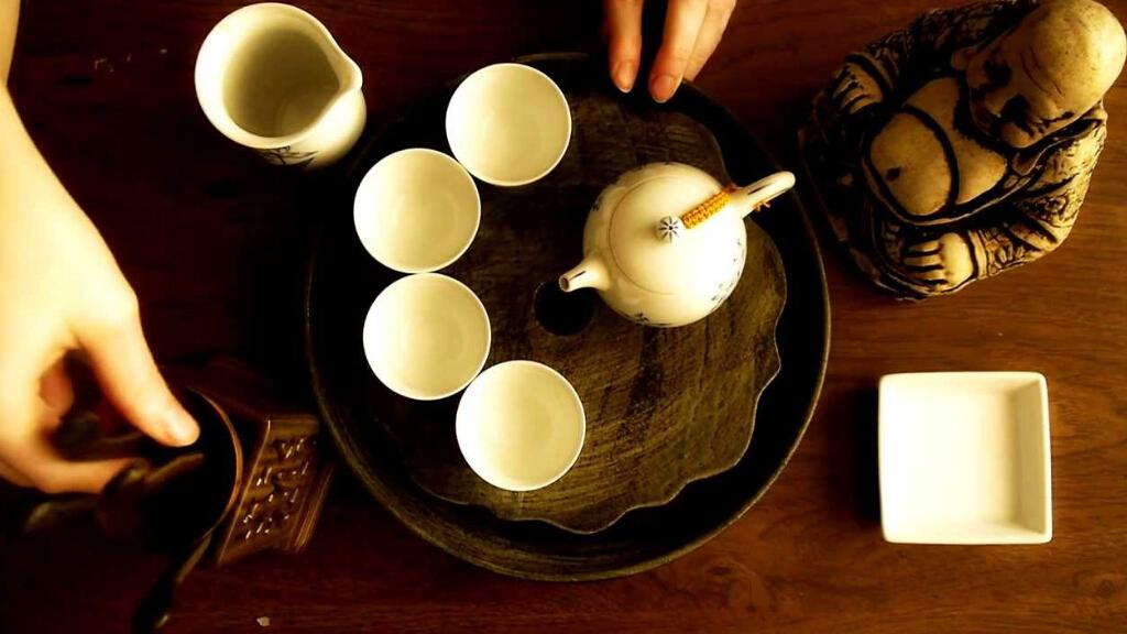 用法语来介绍怎么泡中国的功夫茶