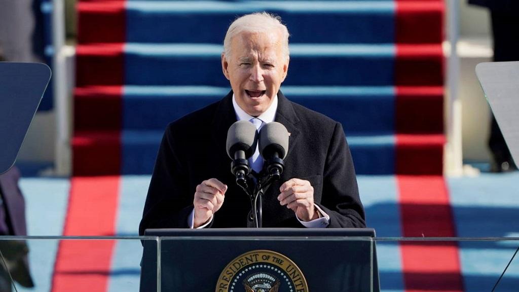 美国总统拜登就职演说节选:重塑美国的灵魂